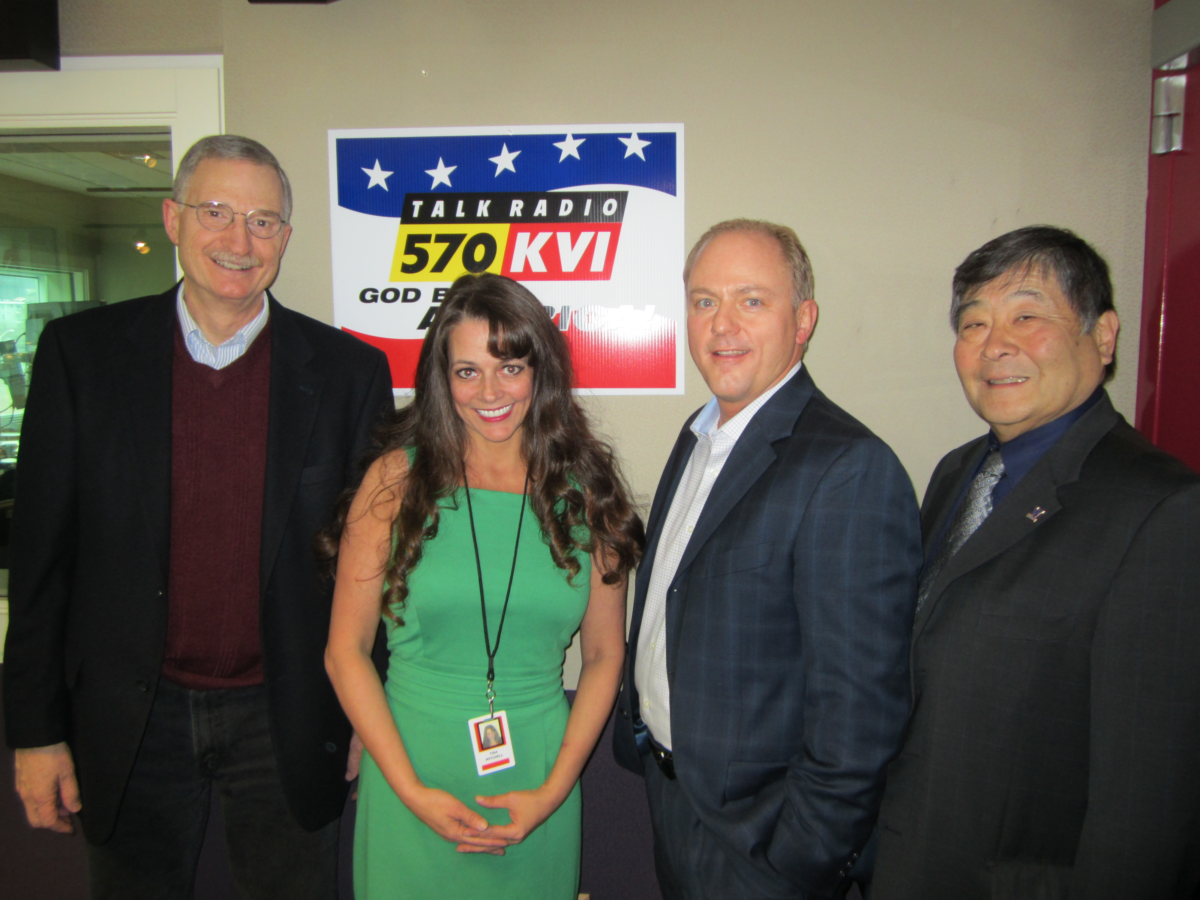 The Money Hour with Tina Mitchell 01/05/14. Lloyd Hara, Andy Landis, and Craig Gaudry